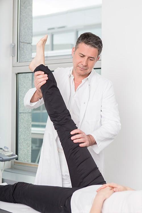 Dr. Ziolko behandelt einen Bandscheibenvorfall